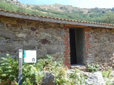 Sierra de Gredos; Barco Ávila; senderismo llanes sendero sulayr sendero del oso mochilas portabebes